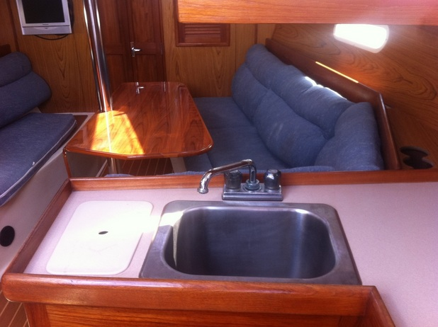 A clean saloon after days of cleaning our new liveaboard sailboat Kingsley.
